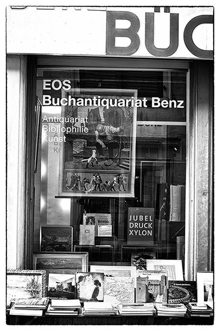 Schaufenster EOS Buchantiquariat Benz - Zürich